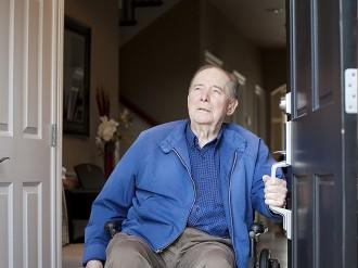 J-L Artibat réalise l'agrandissement de portes et couloirs pour seniors et personnes à mobilité réduite dans le 49