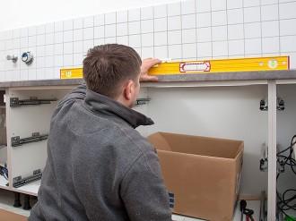 J-L Artibat réalise l'aménagement de plans de travail de cuisines pour seniors et personnes handicapées.